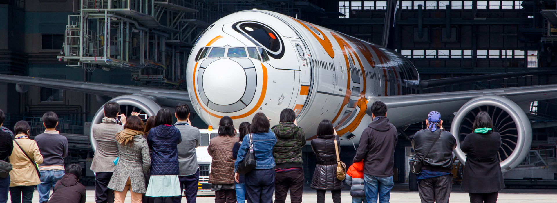 Star Wars BB-8™ ANA Jet Pt. 1: The Roll-Out