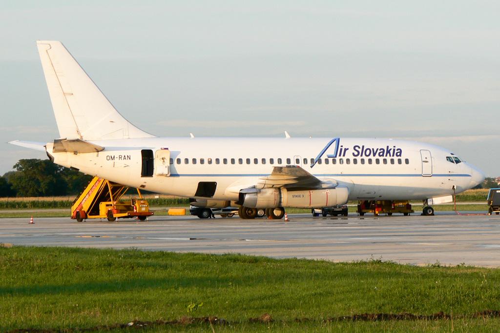 Air Slovakia 737