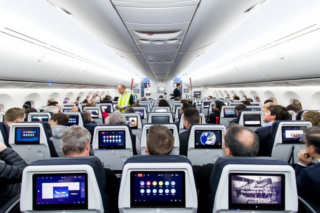 AF787 Boarding