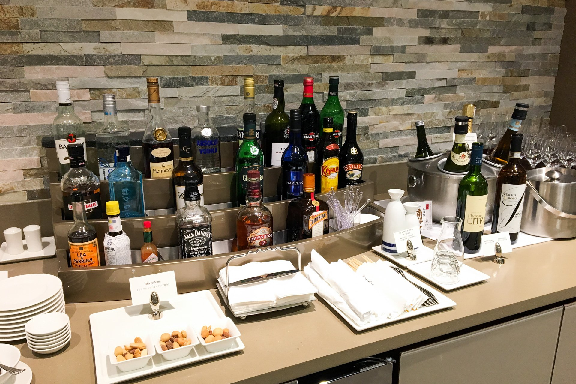 Alcohol in The Emirates Lounge Tokyo Narita