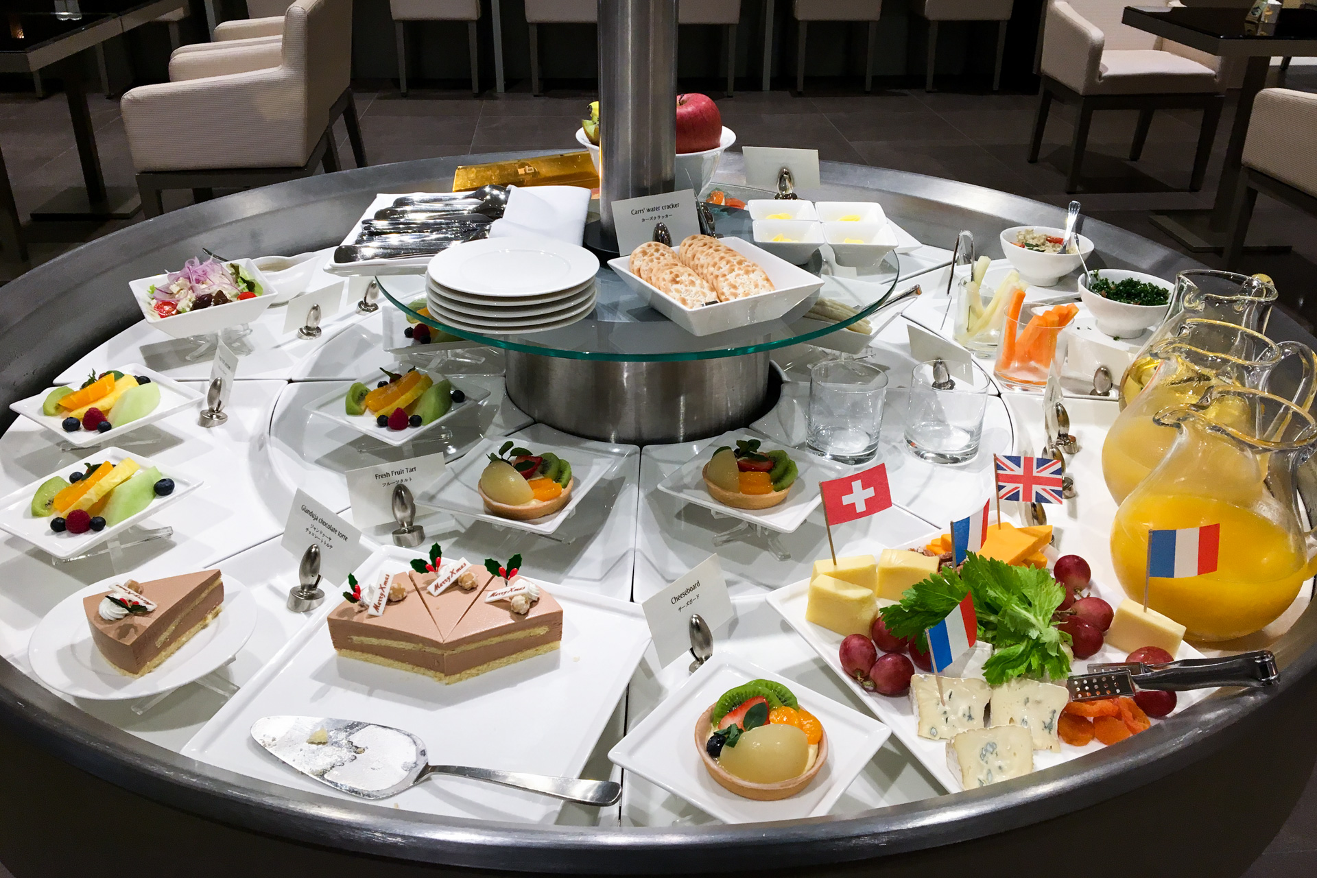 Desserts and Snacks in The Emirates Lounge Tokyo Narita