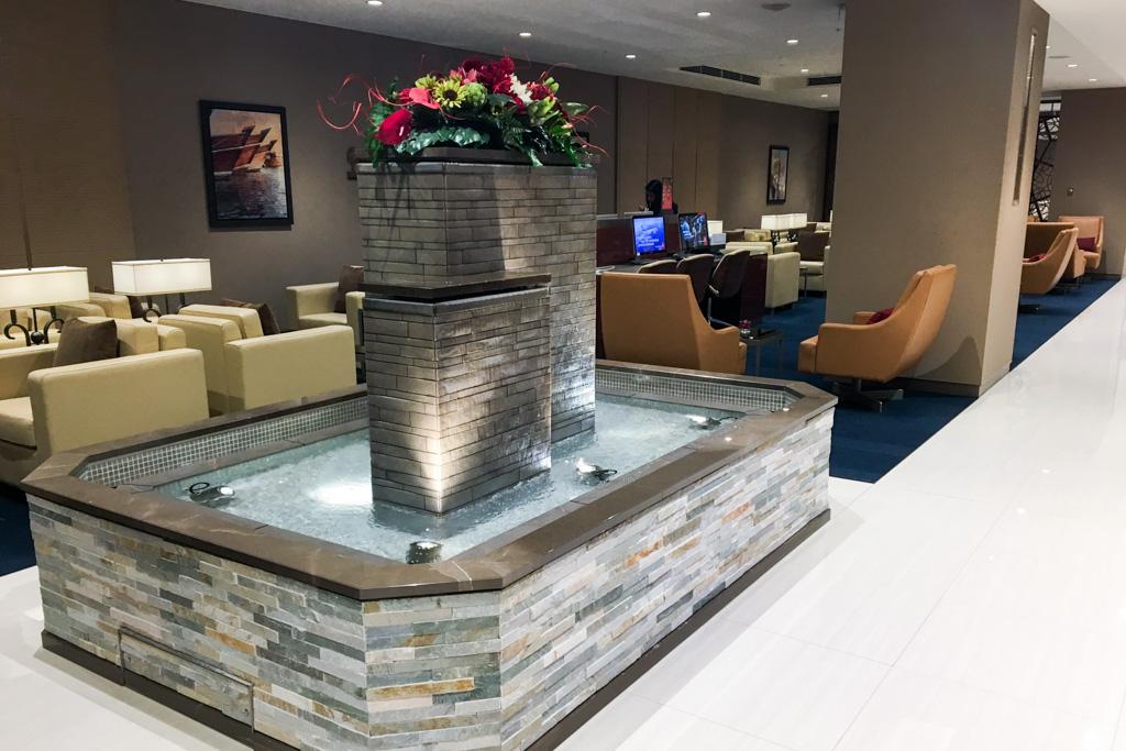 Fountain at the Emirates Lounge at Tokyo Narita