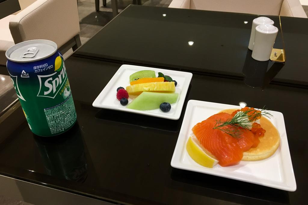 My Pre-Flight Snack in The Emirates Lounge Tokyo Narita