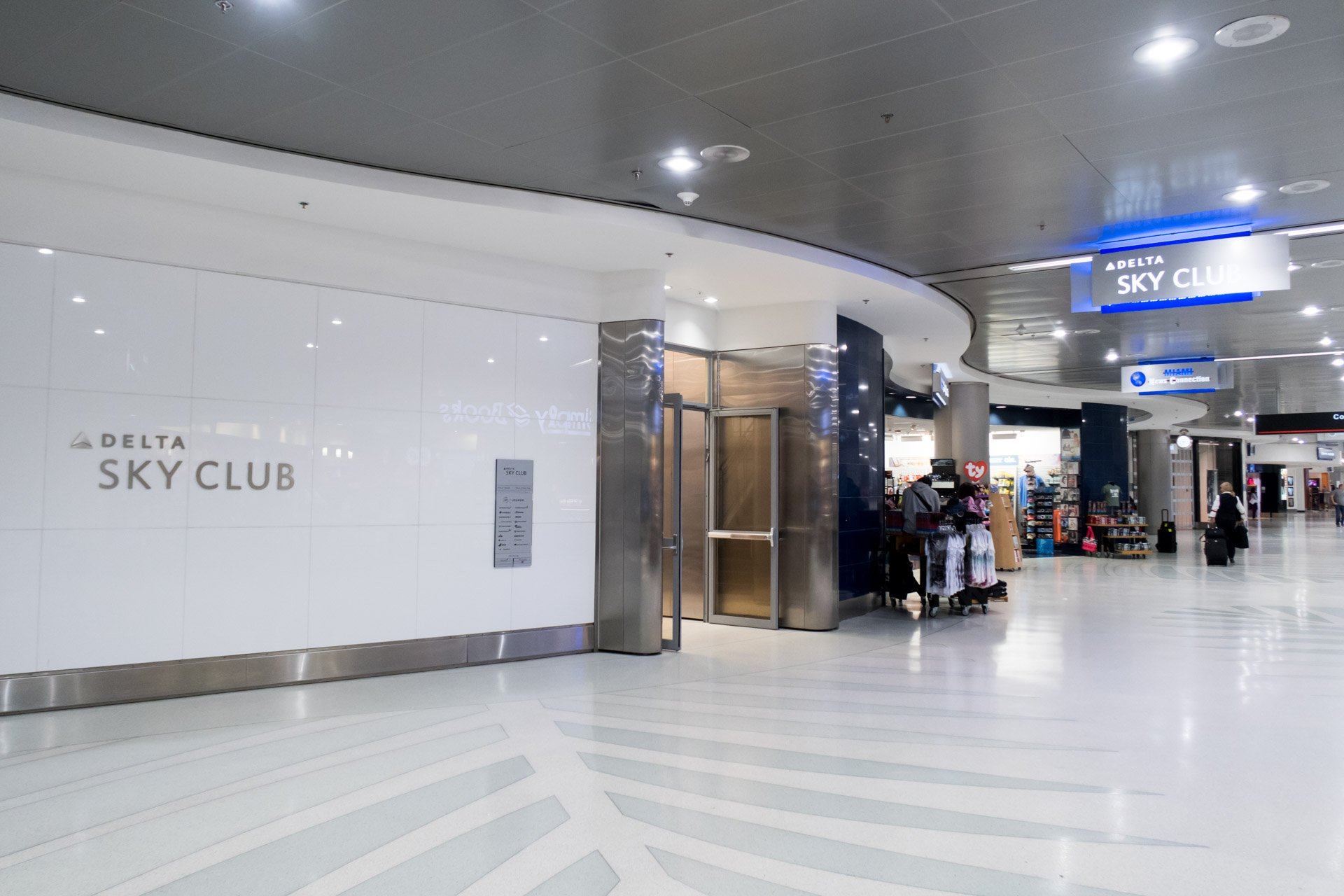 Lounge Review: Delta Sky Club at Miami International