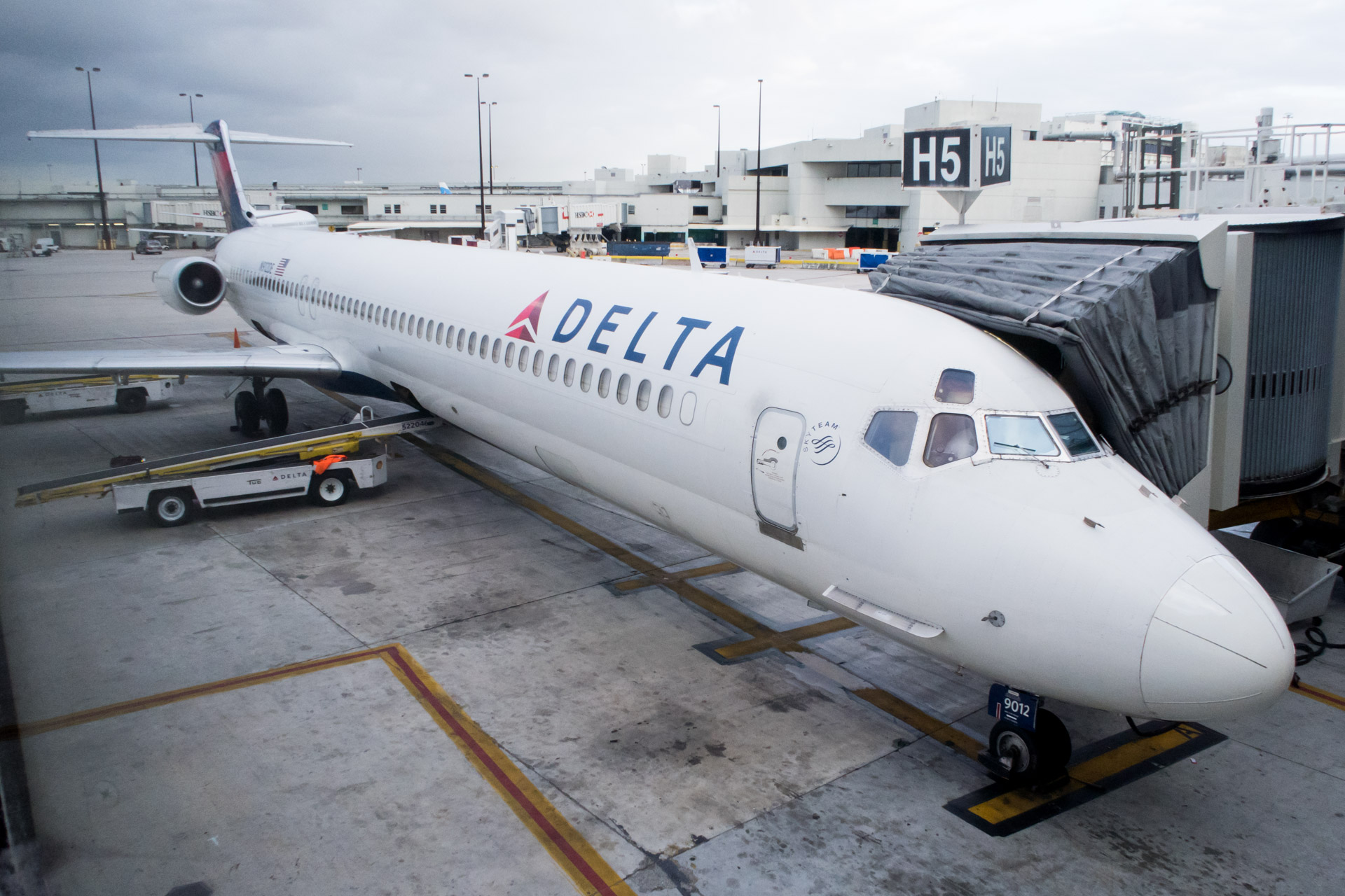 Flight Review: Delta Air Lines MD-88 from Miami to Detroit in First Class