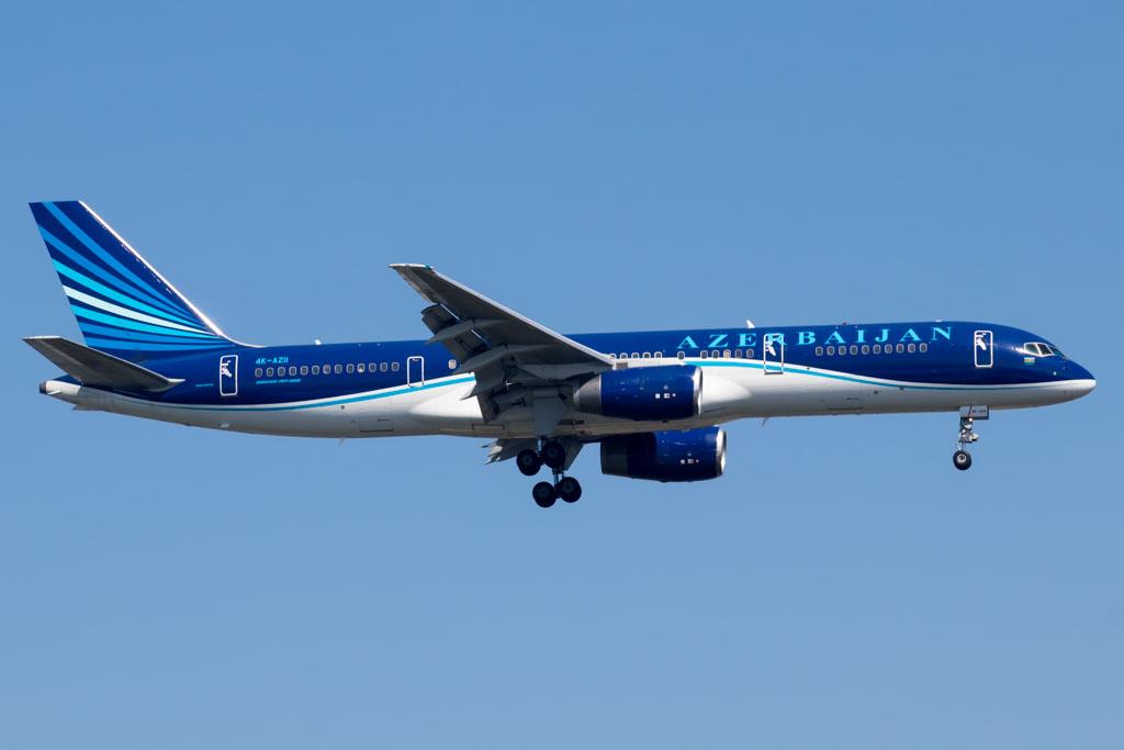 Azerbaijan Airlines 757-200