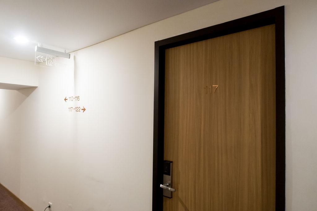 d'Prima Jakarta Airport Room Door