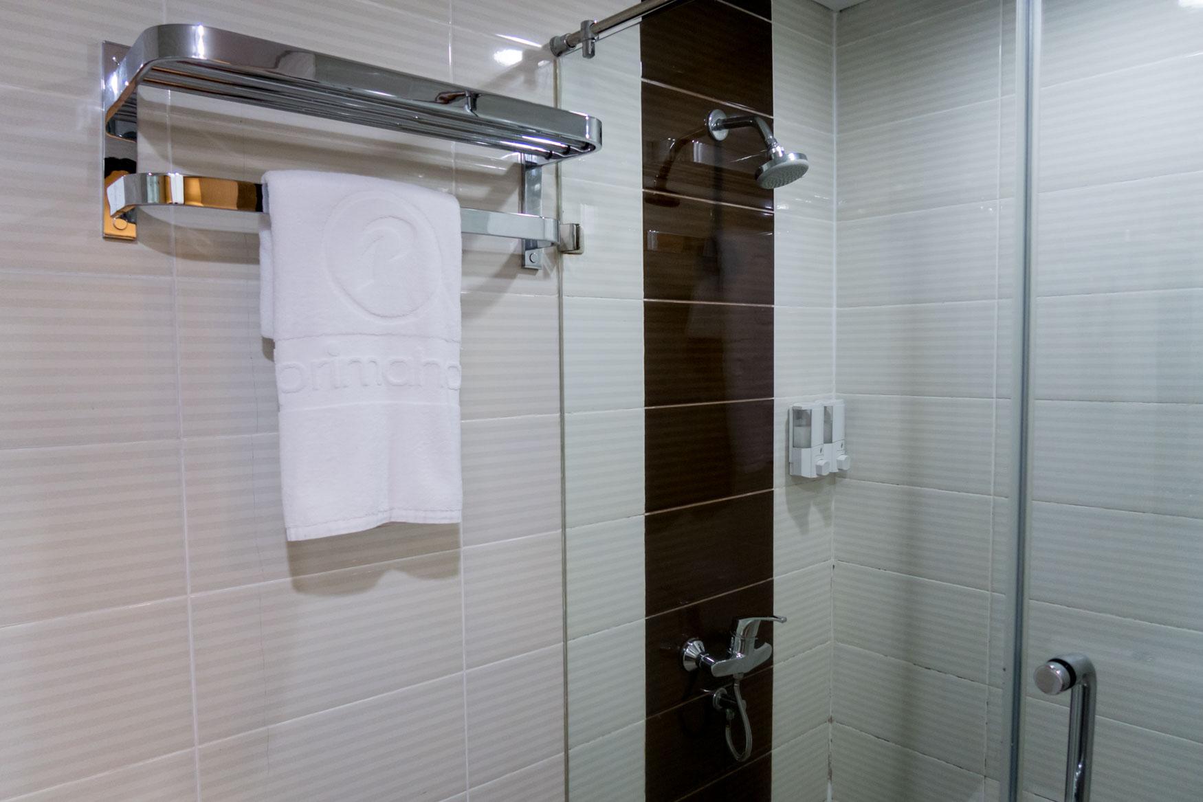 d'Prima Jakarta Airport Shower