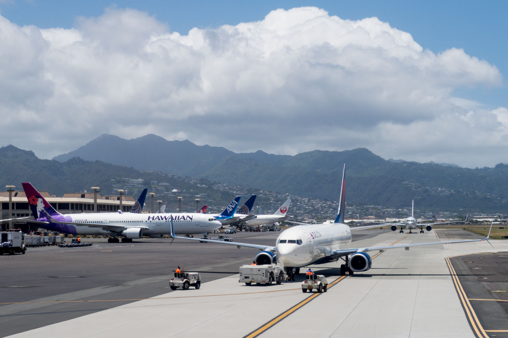 Honolulu Airport Ramp