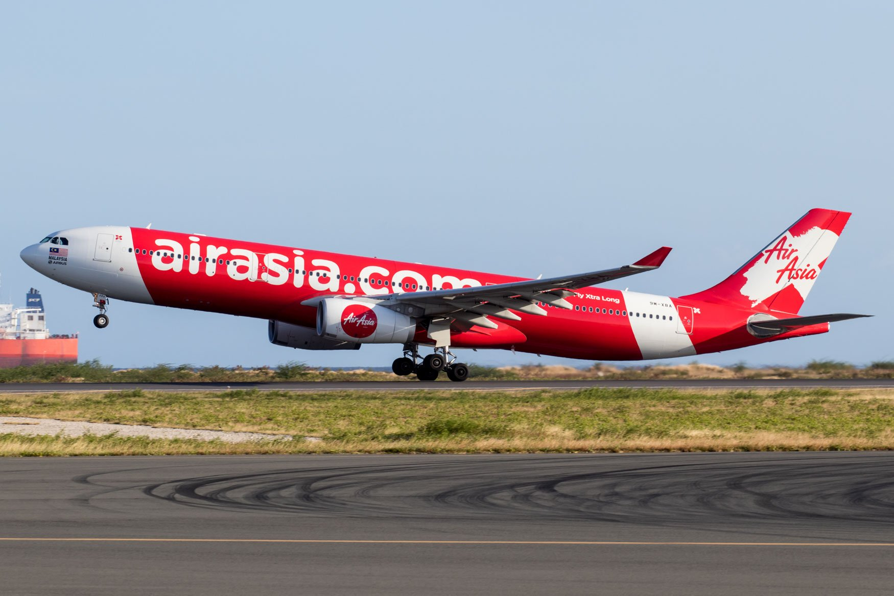 AirAsia X D72 Departing from Honolulu