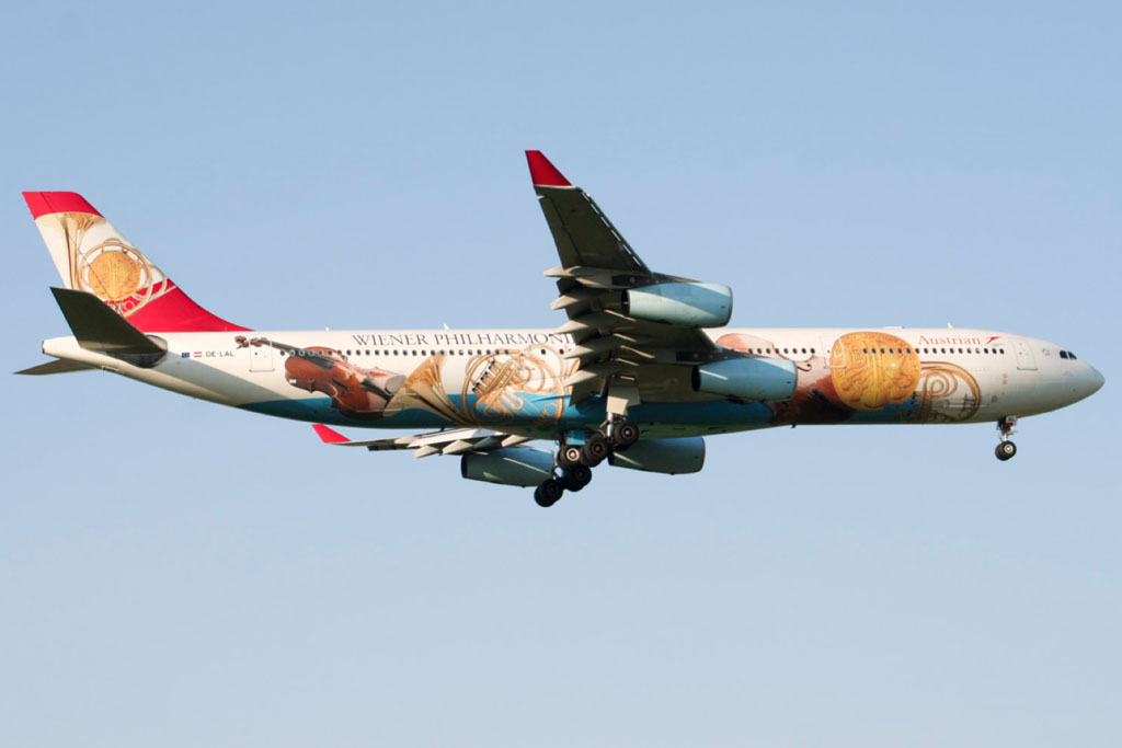 Austrian Airlines A340-300