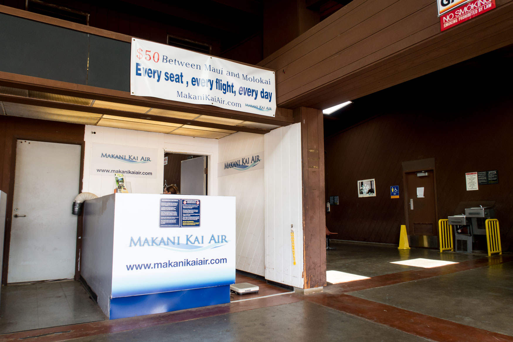 Makani Kai Air Check-In Counter