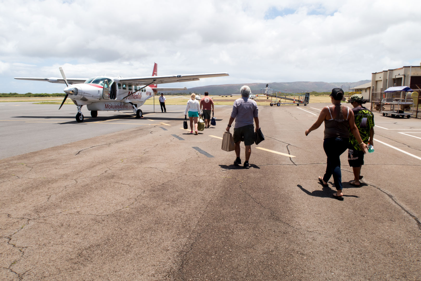 Boarding Mokulele Airlines at Molokai Airport