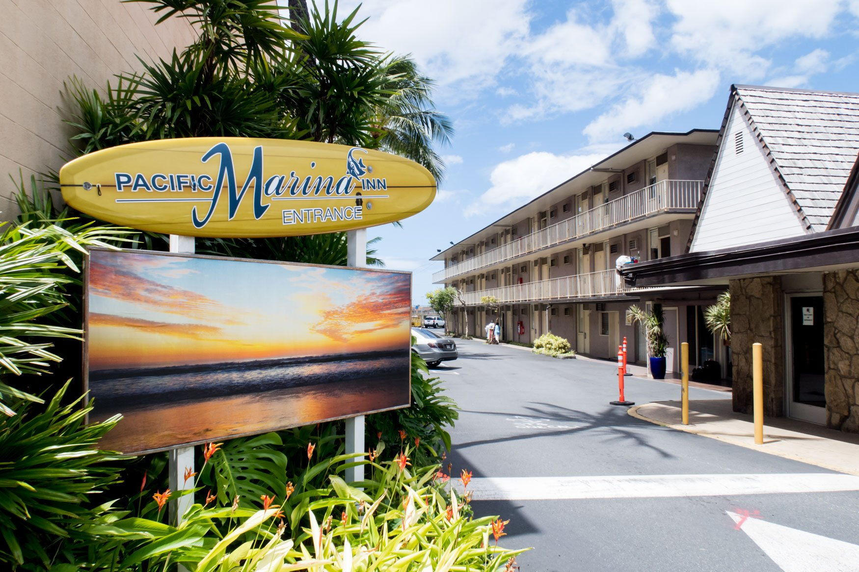 Pacific Marina Inn Entrance