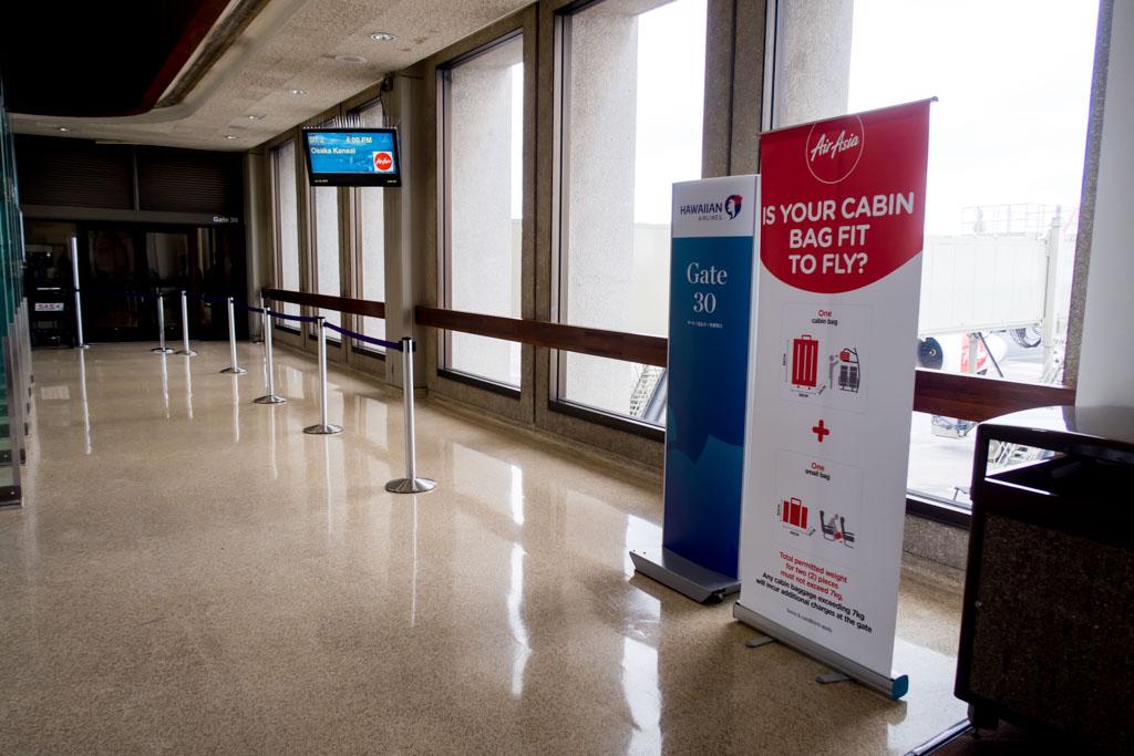 Honolulu Airport Gate 30