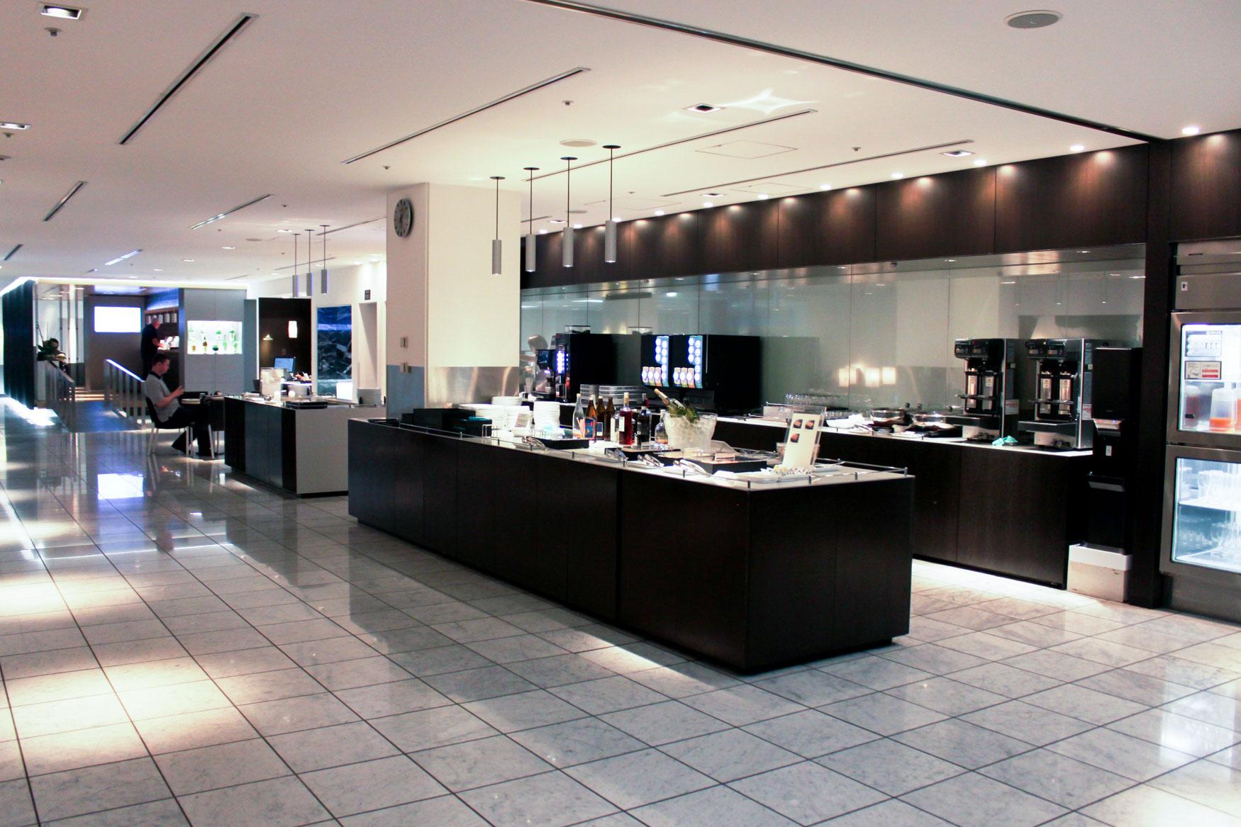 ANA Lounge Tokyo Narita Buffet Area