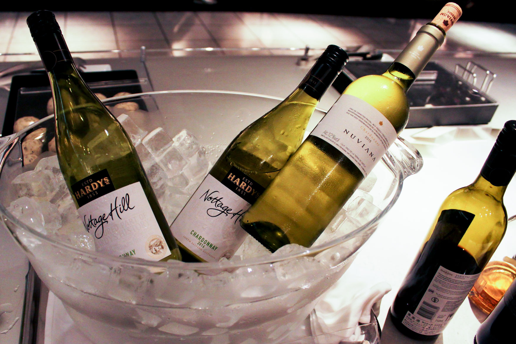 ANA Lounge Tokyo Narita Wine