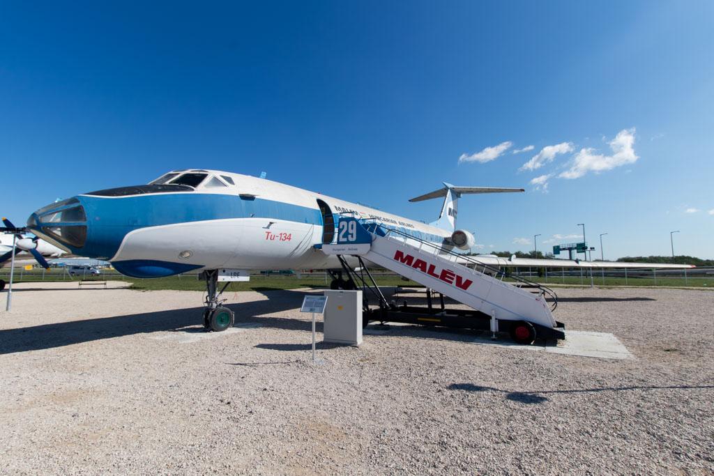 Malev Tu-134
