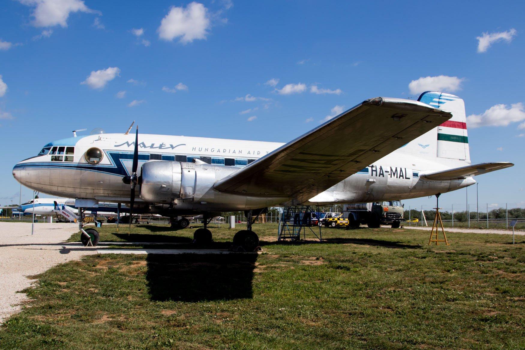 Malev Il-14