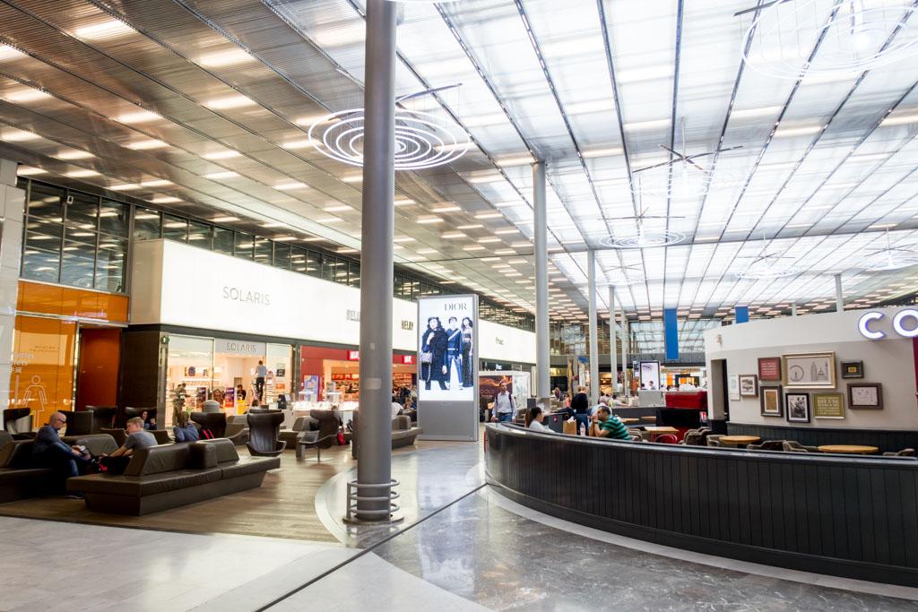 Paris CDG Terminal 2E Hall M