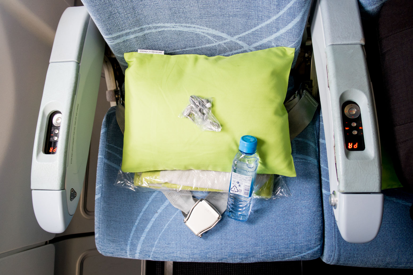 Finnair A330 Economy Class Amenities