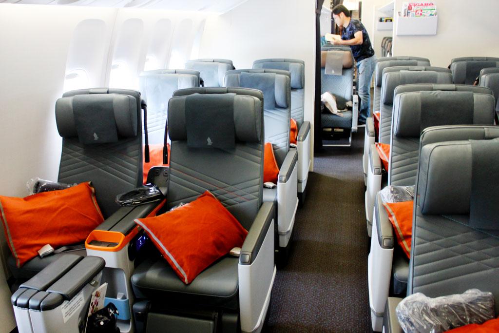 Singapore Airlines 777-300ER Premium Economy Class Cabin