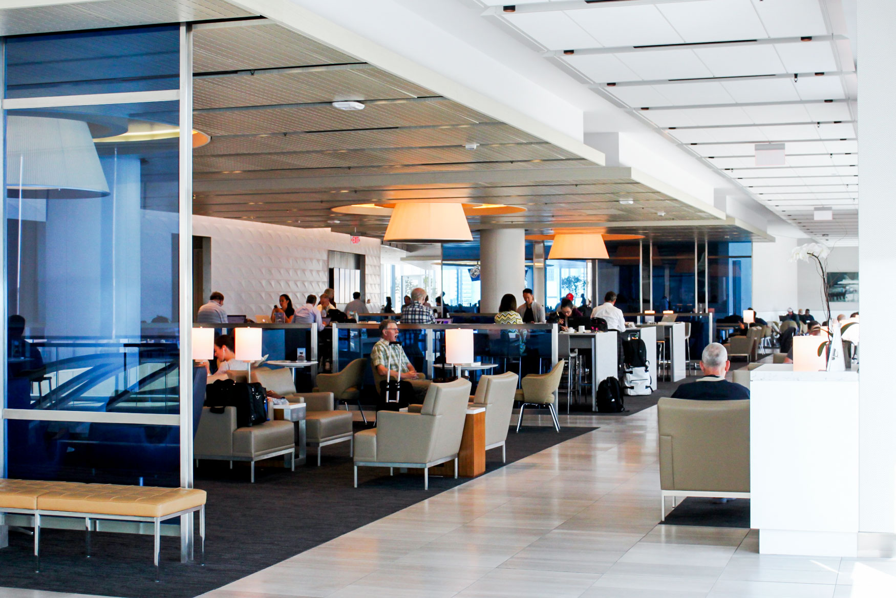 United Club Los Angeles Seating Overview