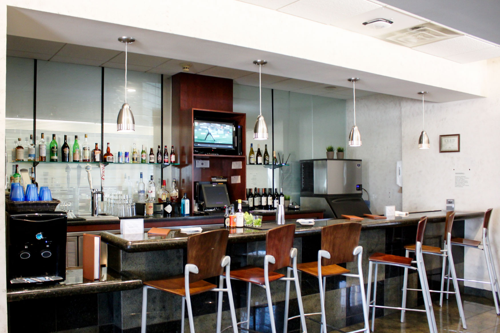 United Club Phoenix Bar