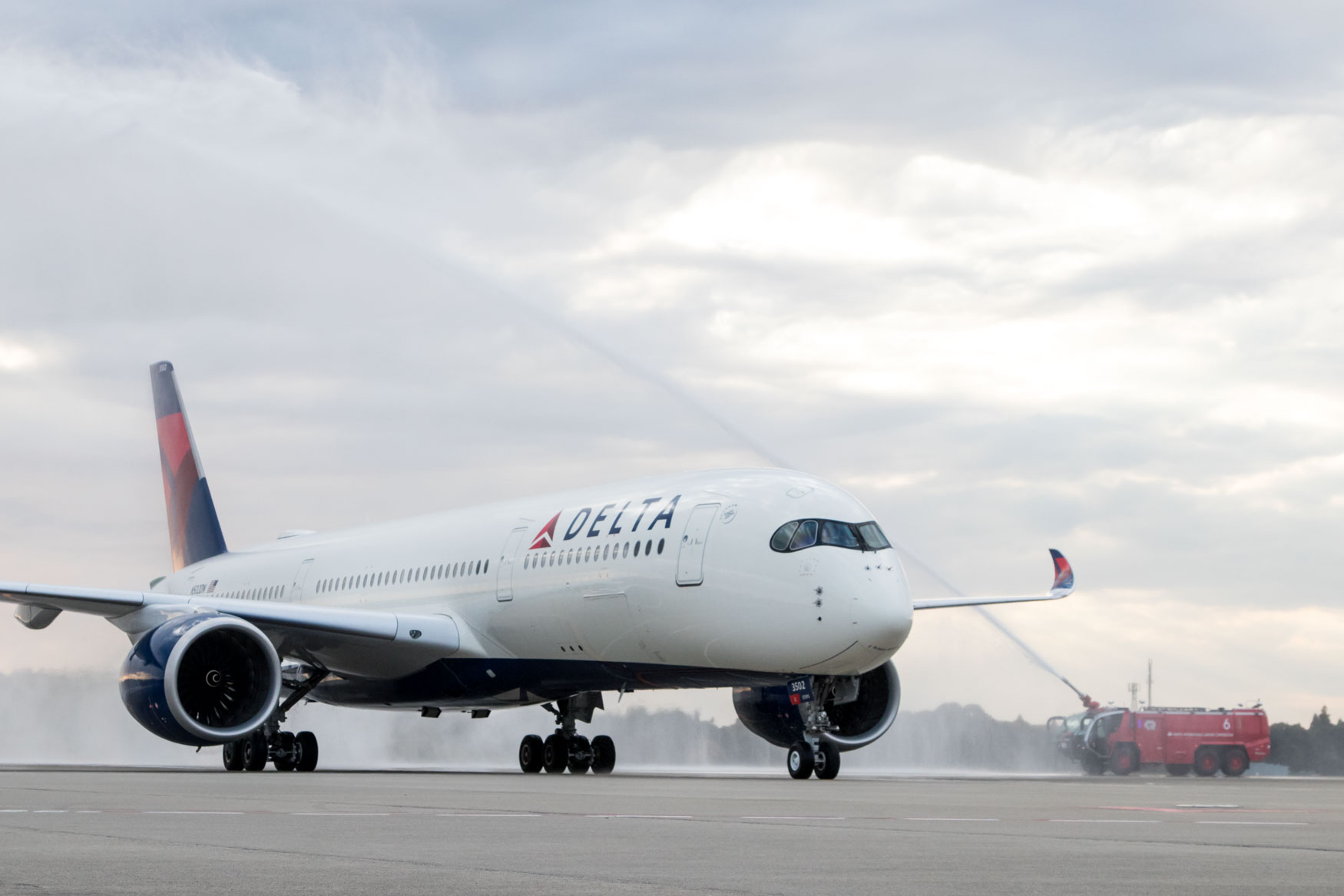 Delta Air Lines A350 Water Cannon Salute