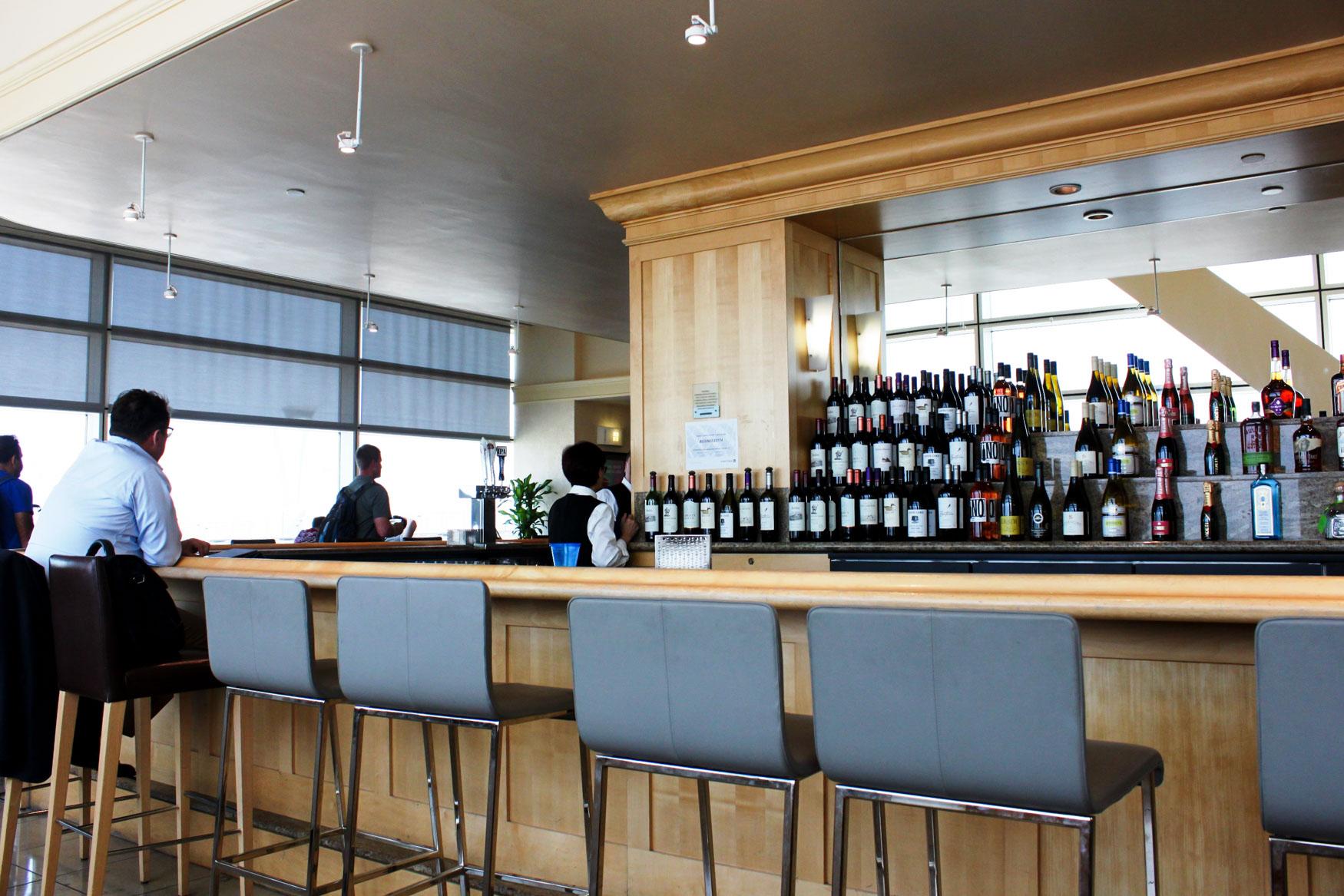 United Club San Francisco International Terminal Bar