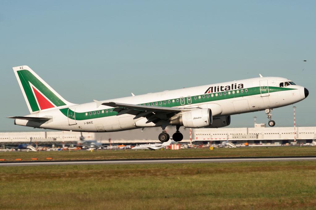 Alitalia Airbus A320 at Milan Malpensa