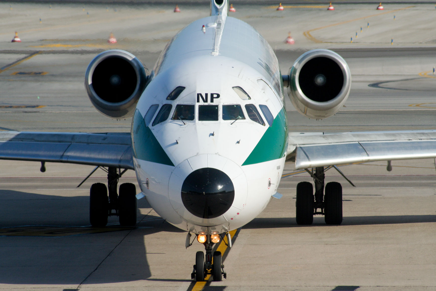 Alitalia MD-82