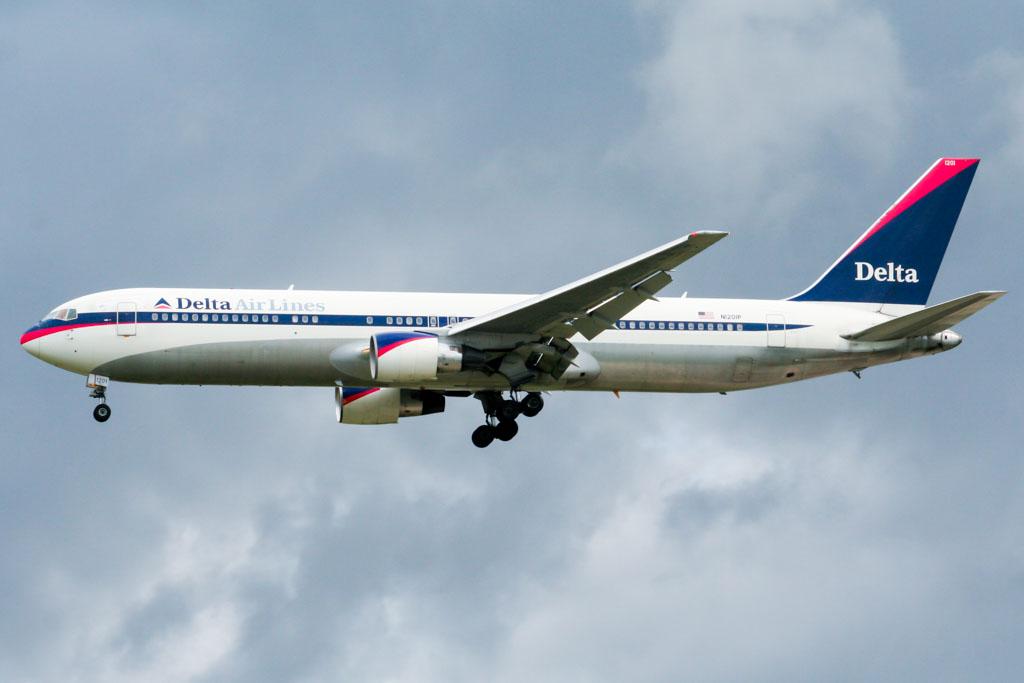 Delta Air Lines 767-300 at Frankfurt