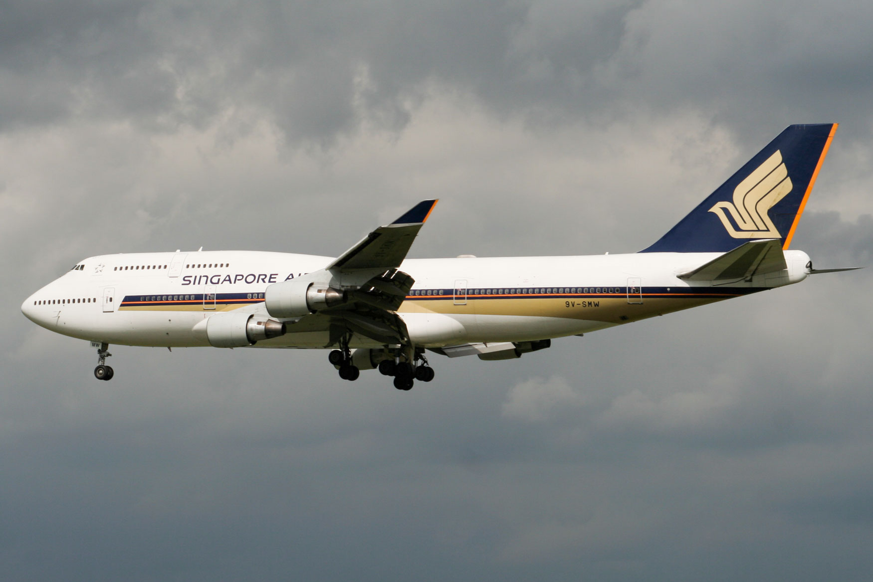 Singapore Airlines 747-400 at Frankfurt