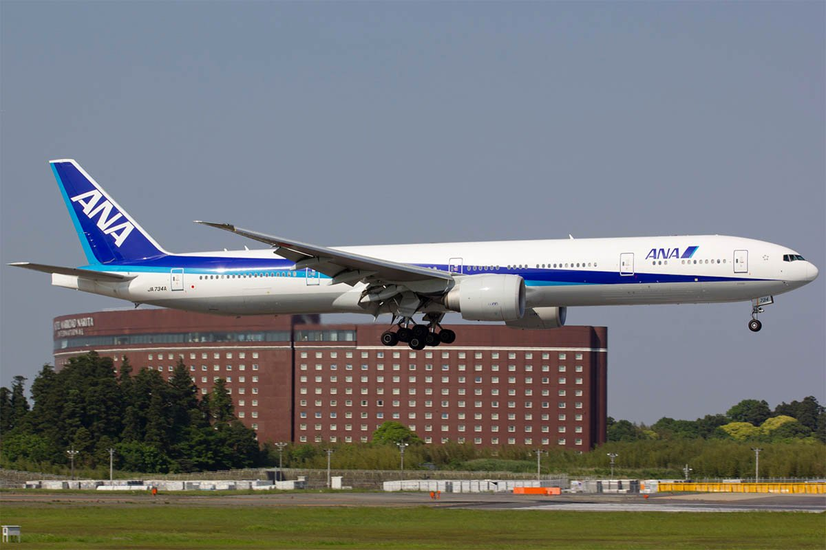 ANA Flight 175 from LA to Tokyo Turns Around 4 Hours into the Flight Due to Unauthorized Passenger Onboard