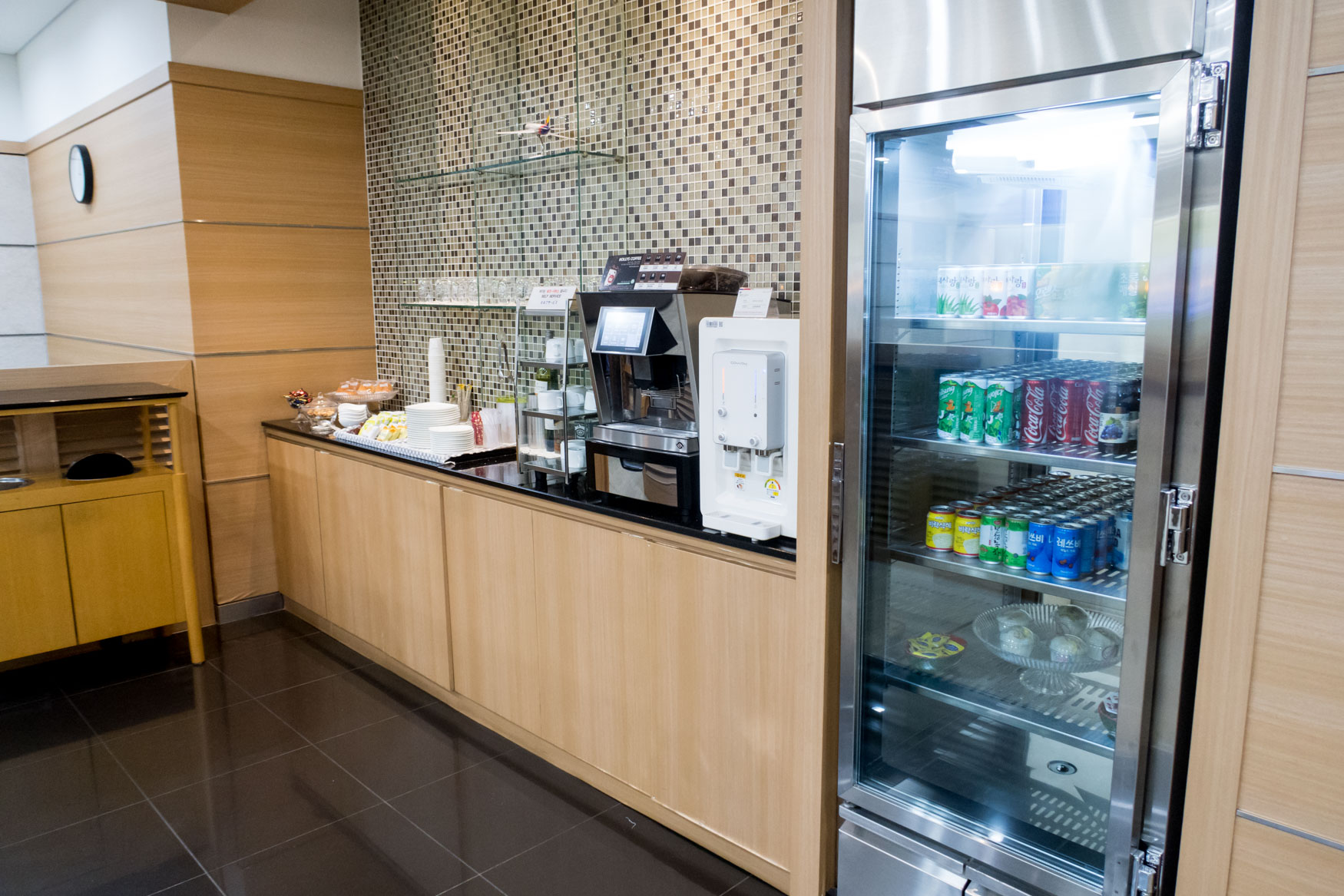 Asiana Lounge Busan Drinks and Snacks Corner