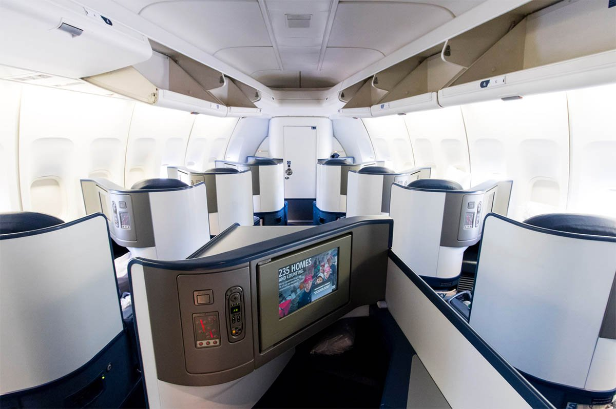 Delta Air Lines 747 Business Class Seat