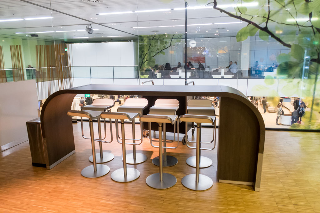 Aspire Lounge Amsterdam Counter Seating