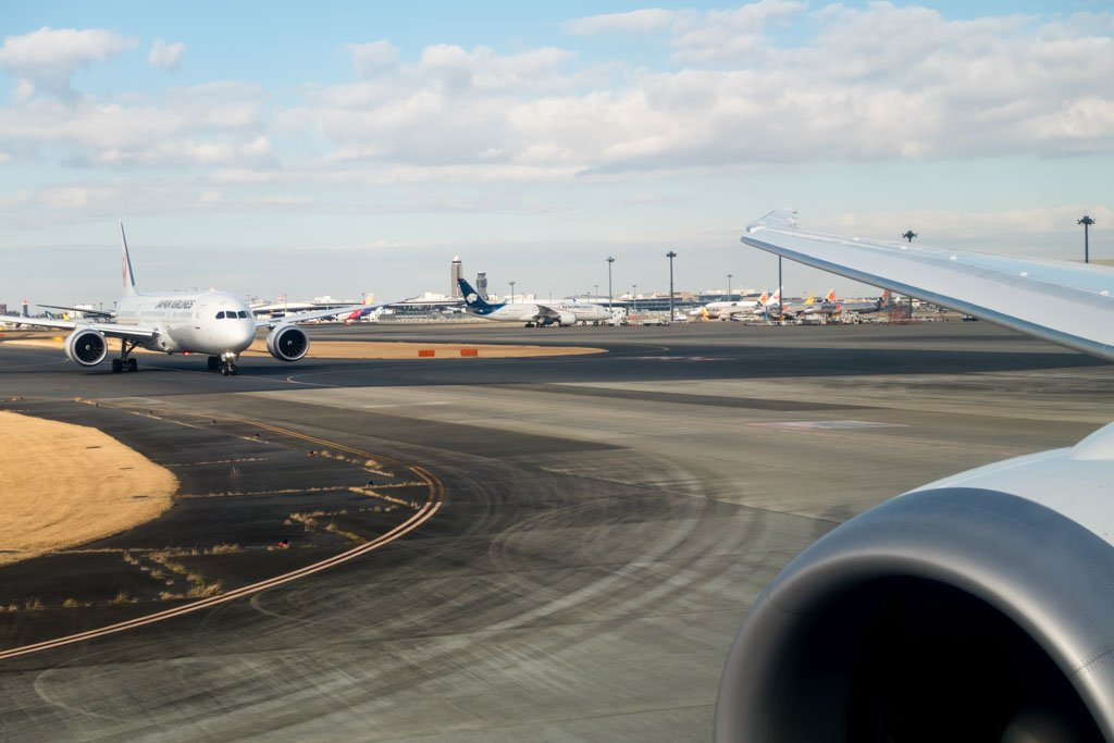 Taxiing to the Active Runway