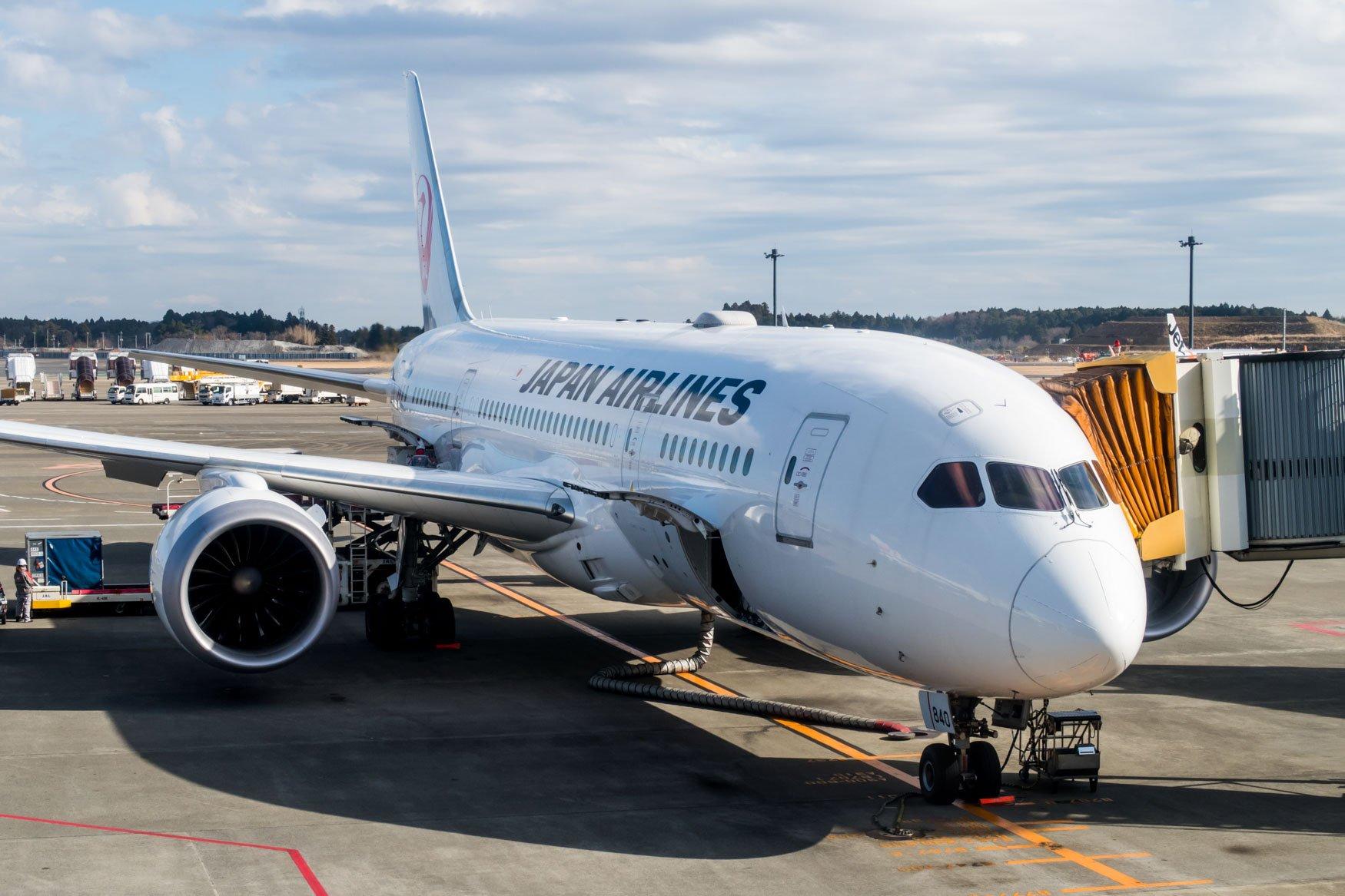 Japan Airlines Boeing 787-8