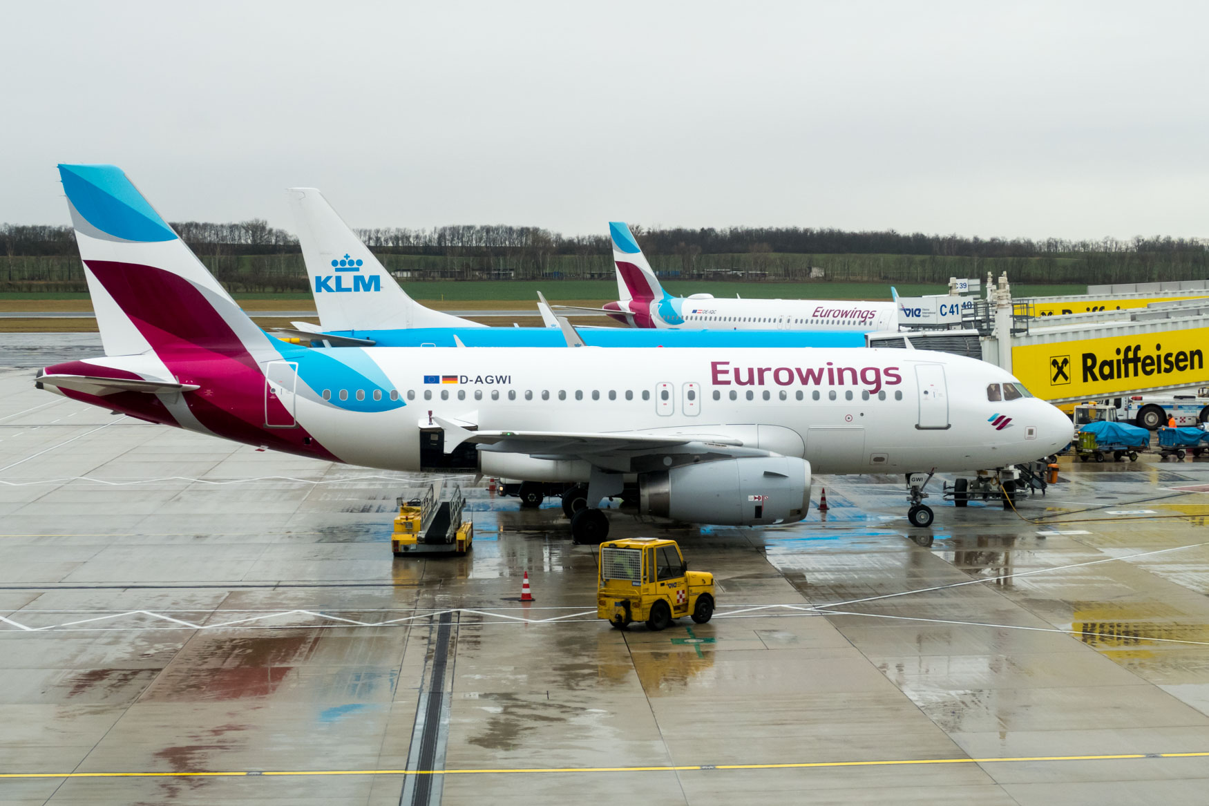 KLM 737 and Eurowings