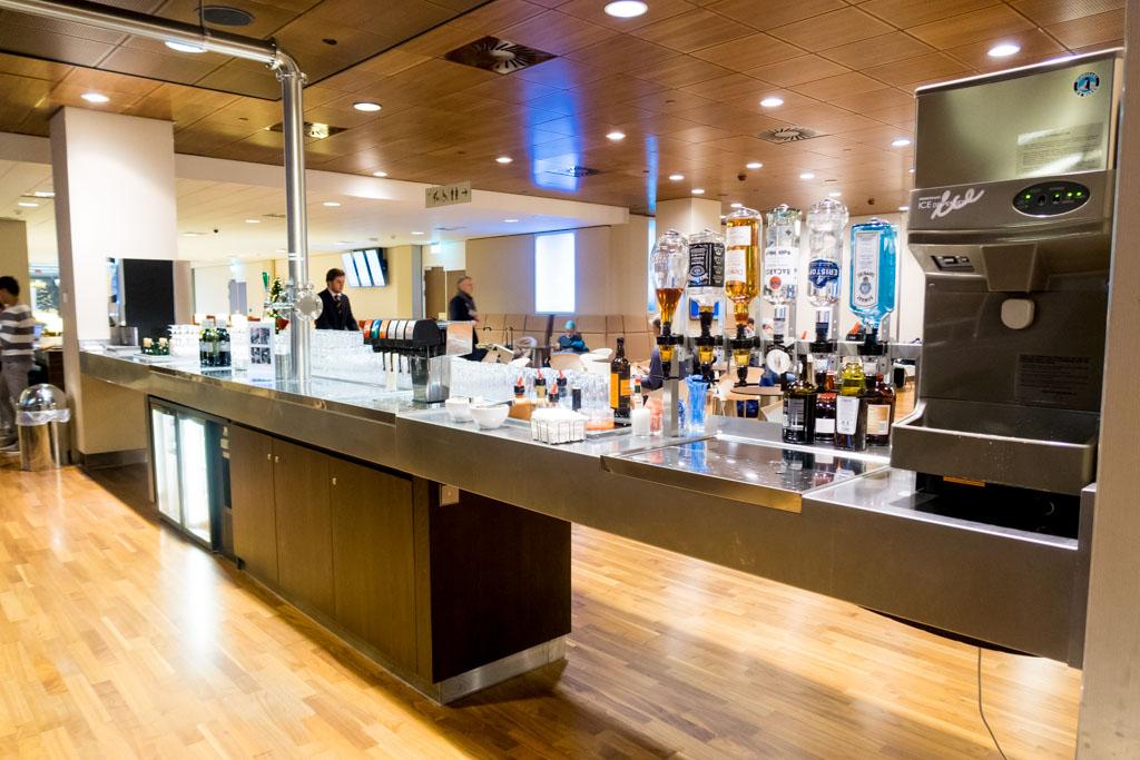 KLM Crown Lounge Schengen Amsterdam Drink Counter