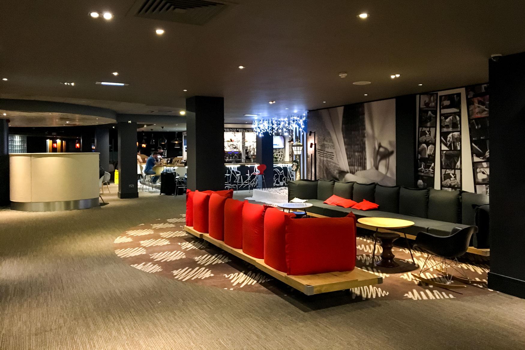 Ibis London Heathrow Lobby