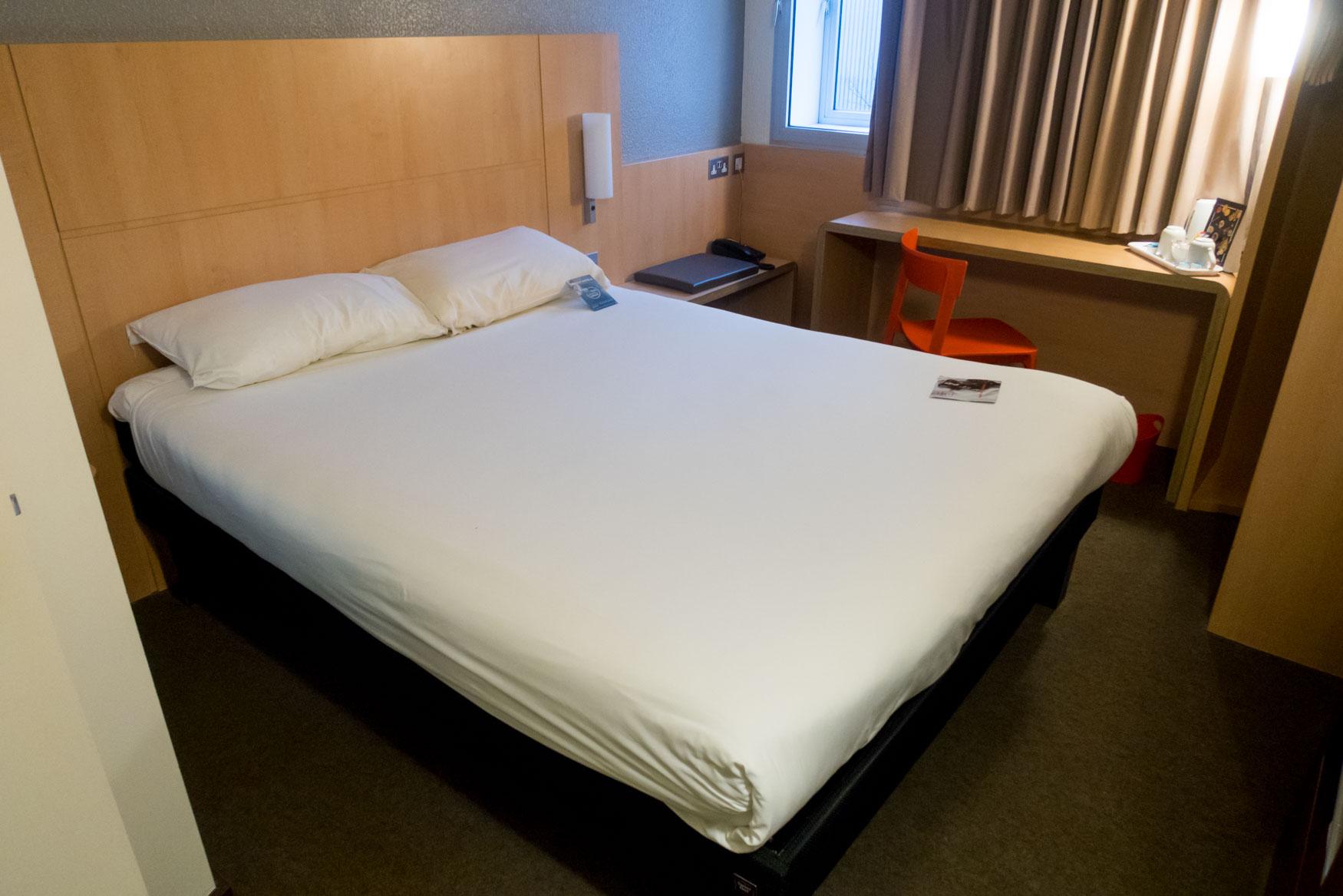 Ibis London Heathrow Bed