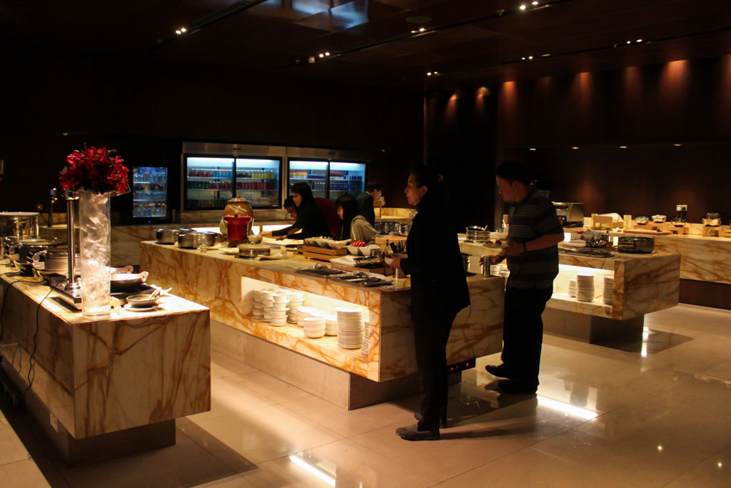 SilverKris Lounge Buffet Spread
