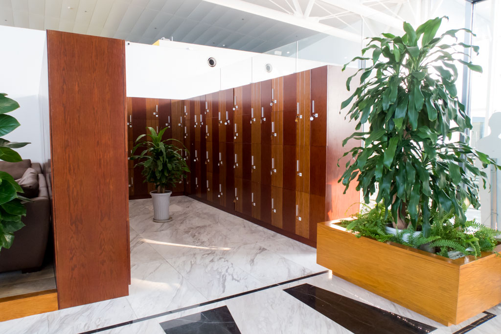NIA Business Lounge Hanoi Luggage Lockers