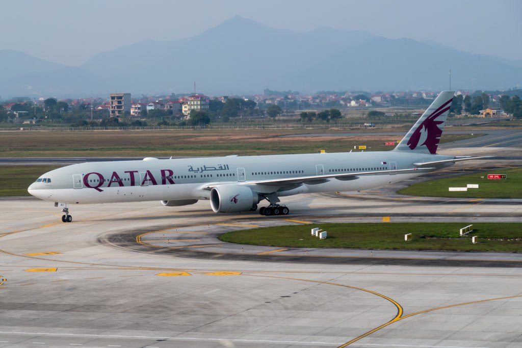 Qatar Airways 777-300ER at Hanoi Noi Bai Airport