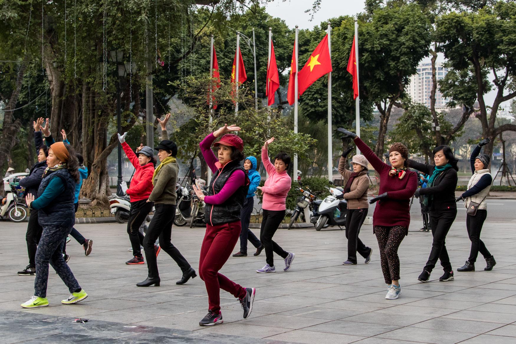 Lý Thái Tổ Flower Garden Morning Dancing