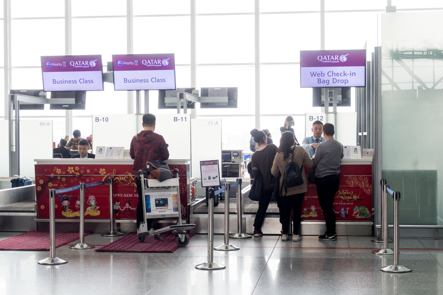 Qatar Airways Check-in at Hanoi Noi Bai Airport