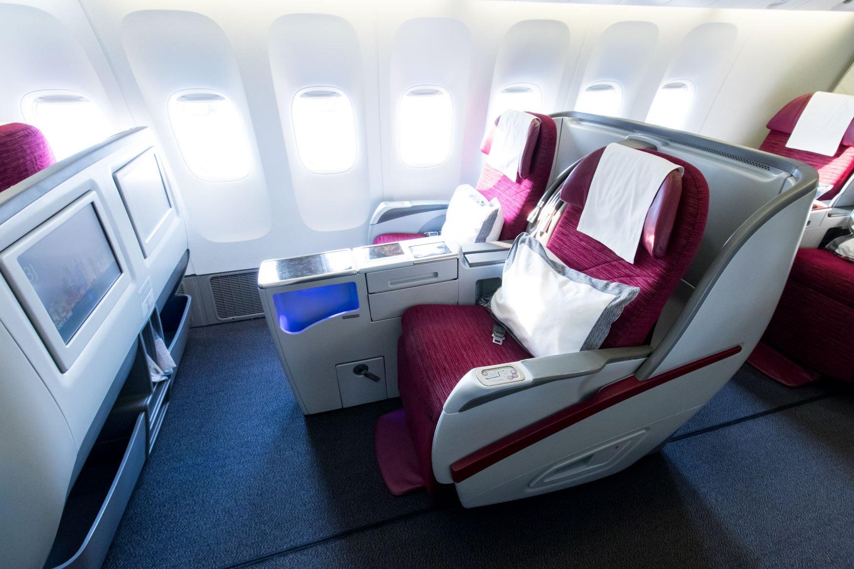 Qatar Airways Boeing 777-300ER Old-Generation Business Class Seat